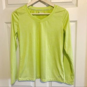 🔵 Lime green long sleeve athletic top